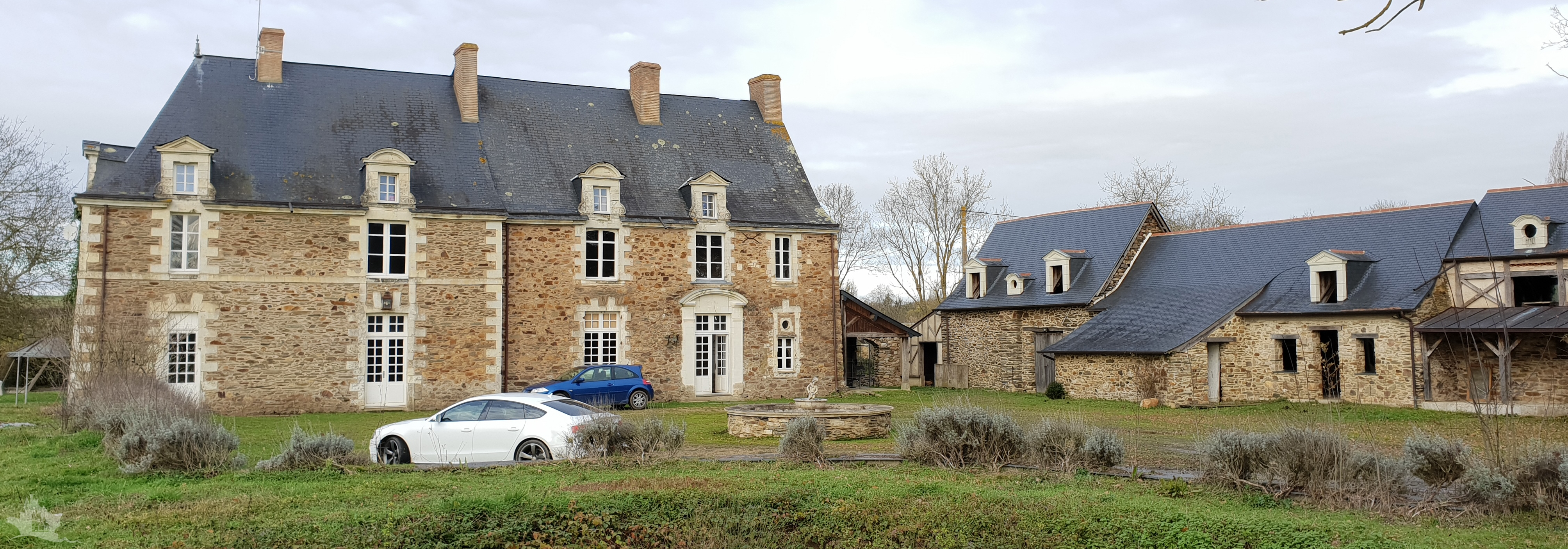 NLEN002032 – Period home and estate on the Mayenne river