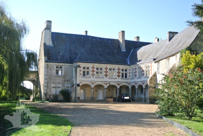 NLEN005002 – Touraine Chateau XIII-XV & XIX on nearly 5 hectares