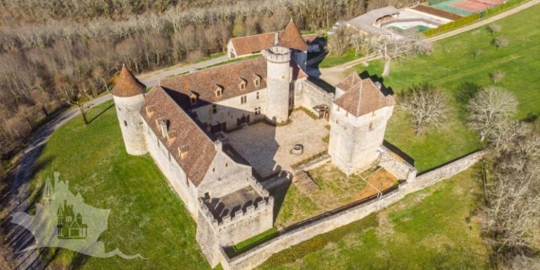 chateau-pechrigal-midi-pyrenees-region-france_22_a8oql0