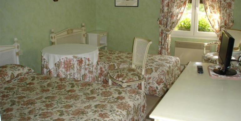 05-Guest Bed1